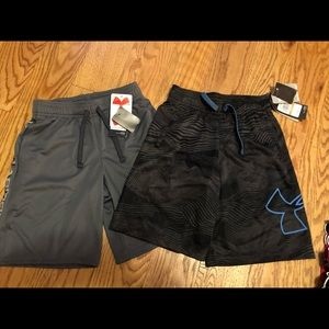 Bnwt youth small UA shorts